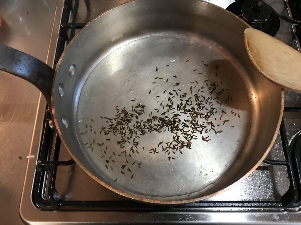 スパイスからカレーを作る